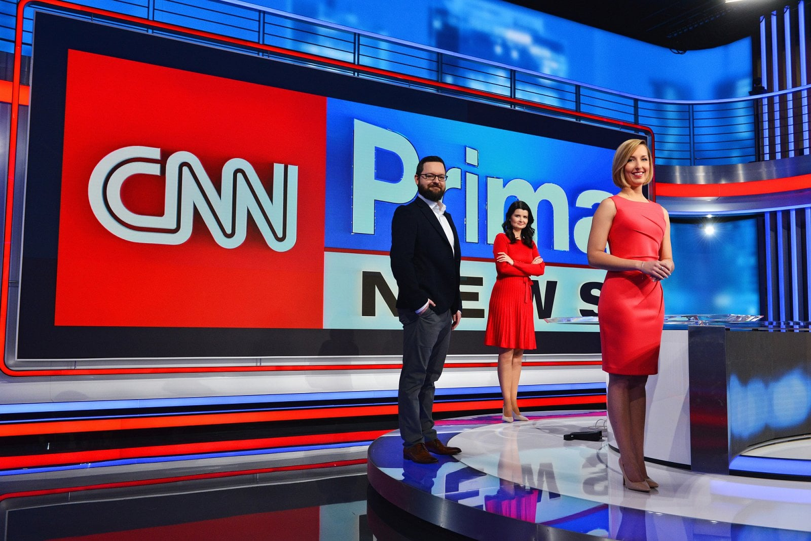 Tv Teams Up With Cnn To Launch News Channel