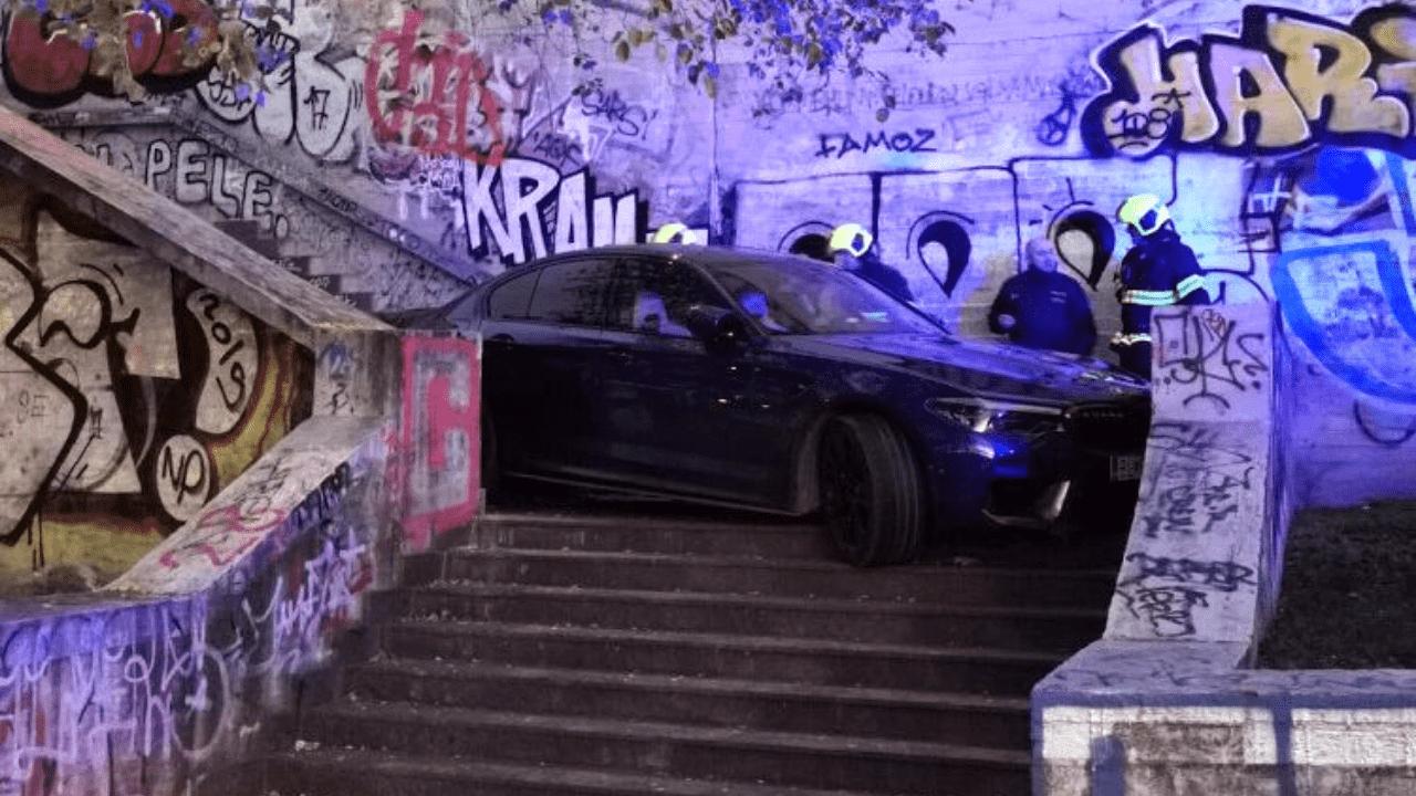 car stuck prague stairs